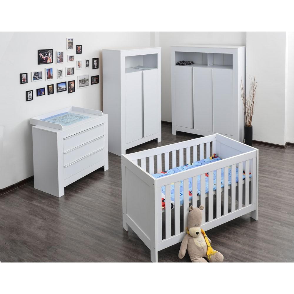 Babyzimmer-Felix-mit-3-tuerigem-Kleiderschrank-in-reinem-Weiss
