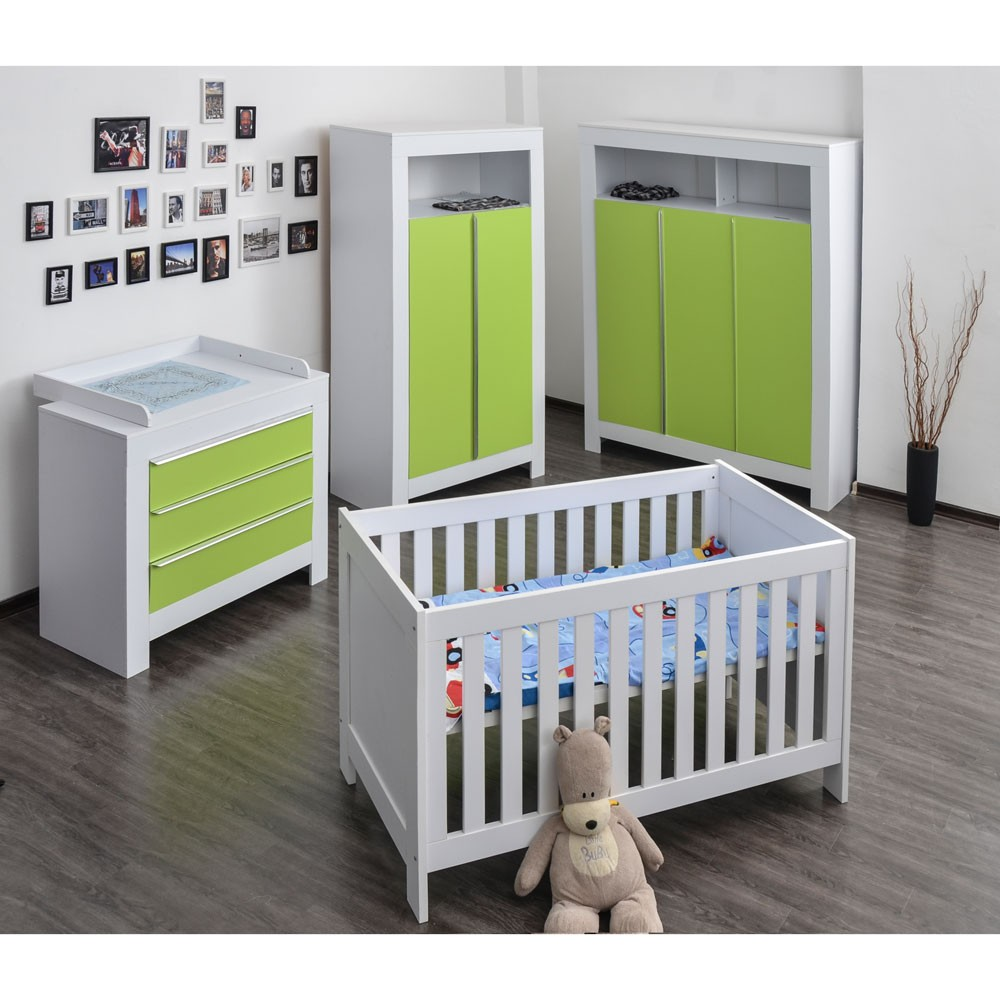 babyzimmer felix mit 3 t rigem kleiderschrank in weiss mit gr nen schrankt rfronten baby m bel. Black Bedroom Furniture Sets. Home Design Ideas